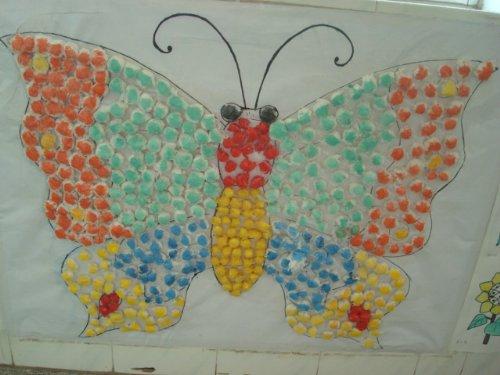 幼儿园作品:废旧材料装饰画5幅